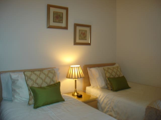Bed and Breakfast-high standard ,free WiFi - Gifford - Casa