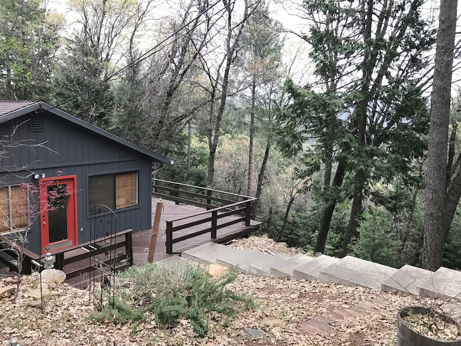 Quiet getaway with gorgeous mountain views cabins for for Cabin rentals in nevada
