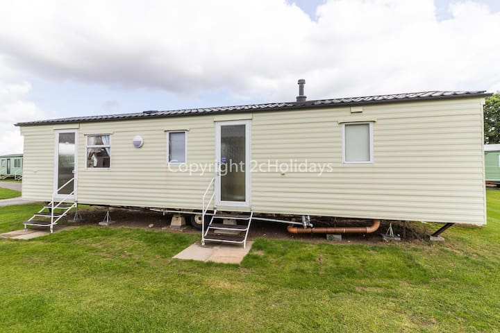 8 berth caravan for hire at Sunnydale park Lincolnshire Skegness ref 35128SD