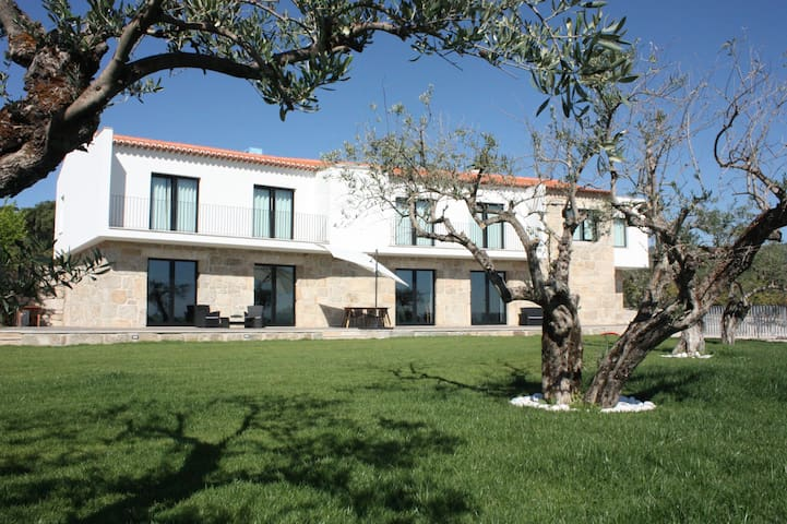 Carvalhal Redondo - Farm House - Castelo Novo - Pension