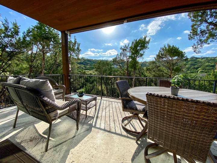 Lake Travis Hill Country Retreat w/Seasonal Creek.