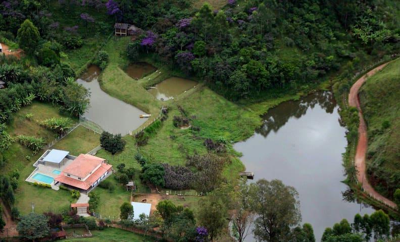 Simplesmente Lindo - Monteiro Lobato - Cabin