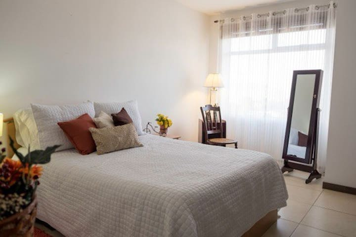 Modern and welcoming Apartment in Las Charcas