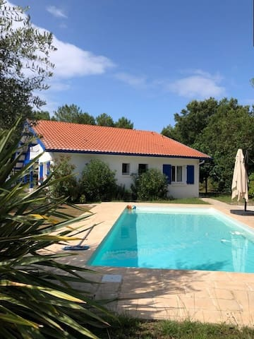 MOLIETS, maison 2 chambres et piscine