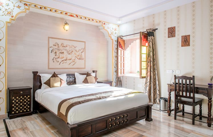 Luxury rajputana suite near vaishali nagar villas for for F salon vaishali nagar