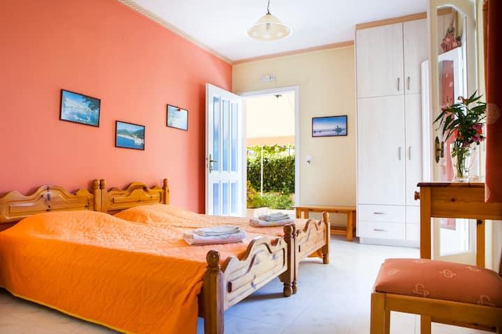 Tzivras Studio Apartment