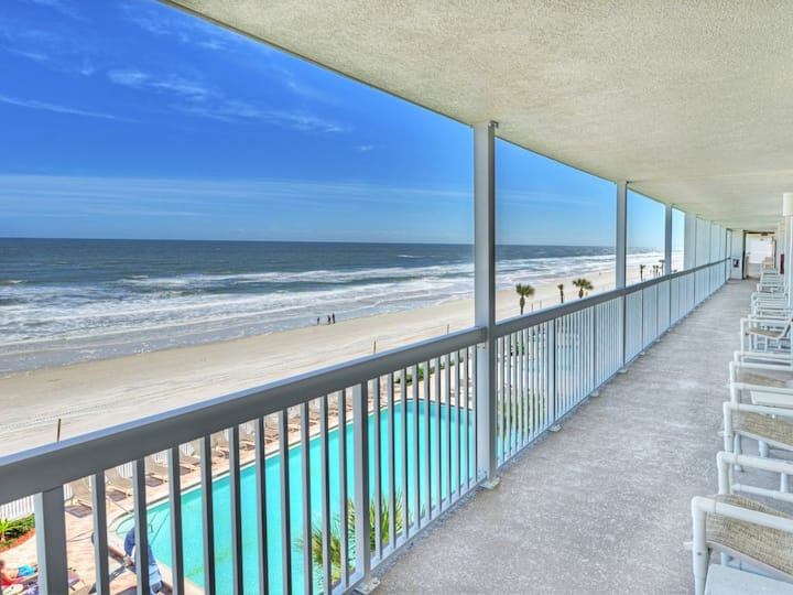 Daytona Beach Resort - Economical, Cute, Cozy