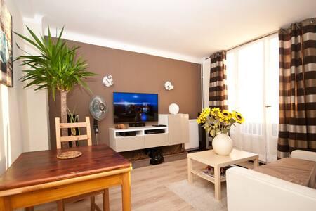 CANAPÉ-LIT DANS T2 AVEC PARKING PRIVÉ - Montpellier - Apartamento