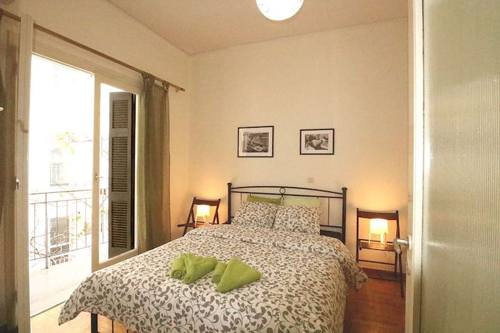★SLEEPERS PROPERTIES★ Athens Downtown Studio 1