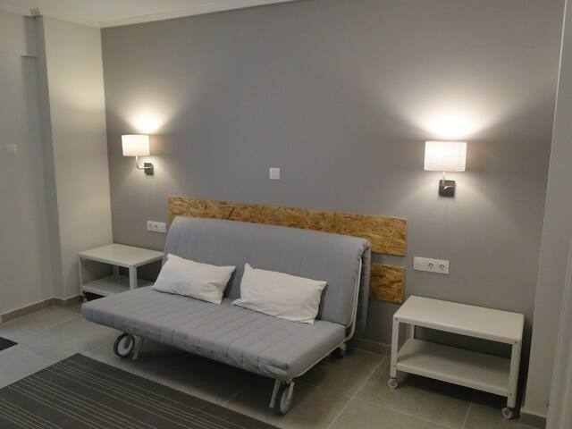 Cosy Downtown Studio-Private Garden in Hilton Area - Athina - Leilighet