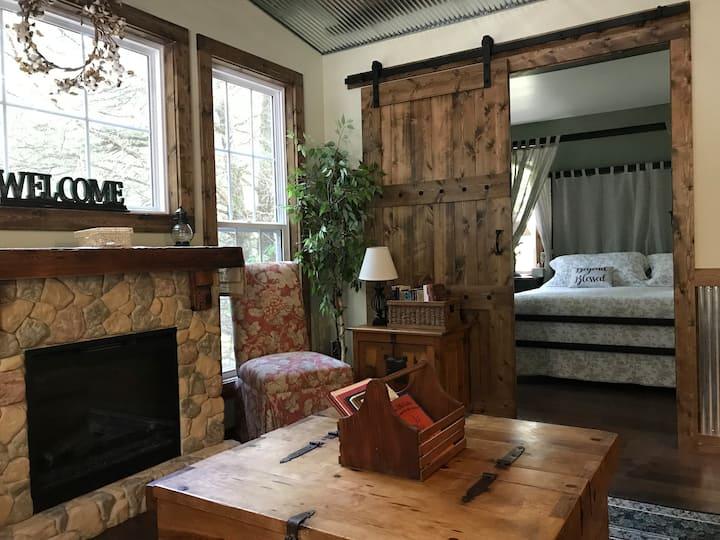 Rustic Hideaway Cottage