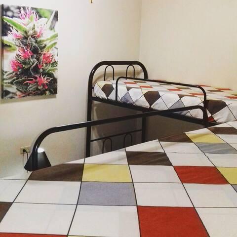 HOTBOX JAMAICA Sativa Dorm Beds - Runaway bay - Schlafsaal