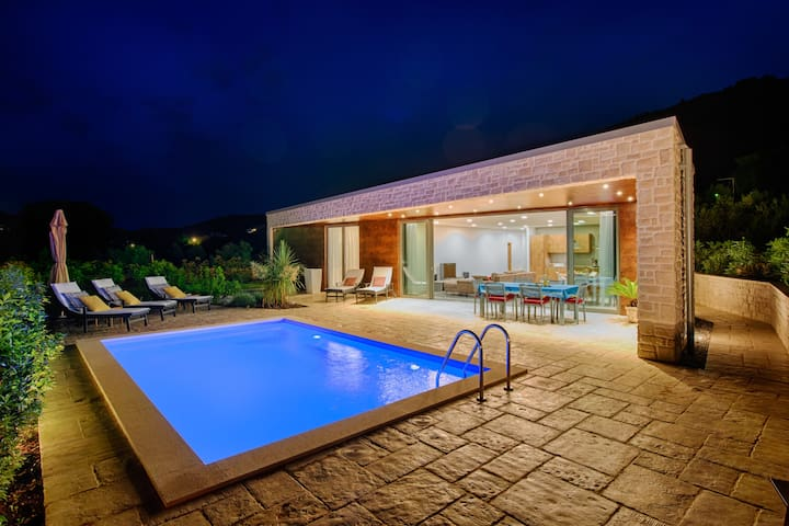 Sunny Daydream Villa in Korcula
