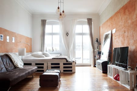 Huge stylish room in Prenzlberg - Berlin