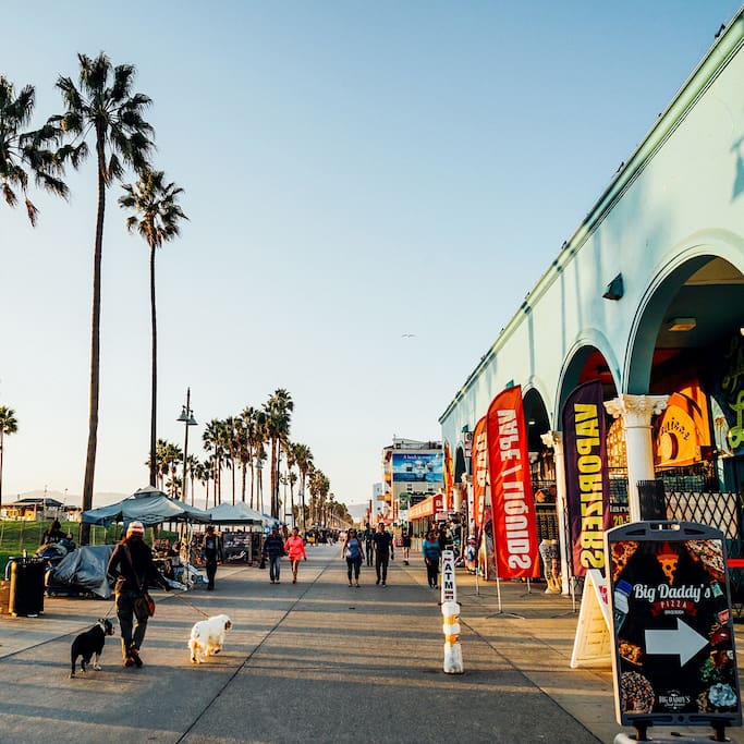 รูปThe Venice Beach Boardwalk