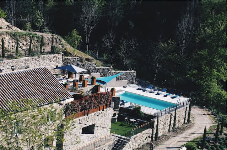 Stone villa in the heart of Ardèche + private pool - Genestelle - House