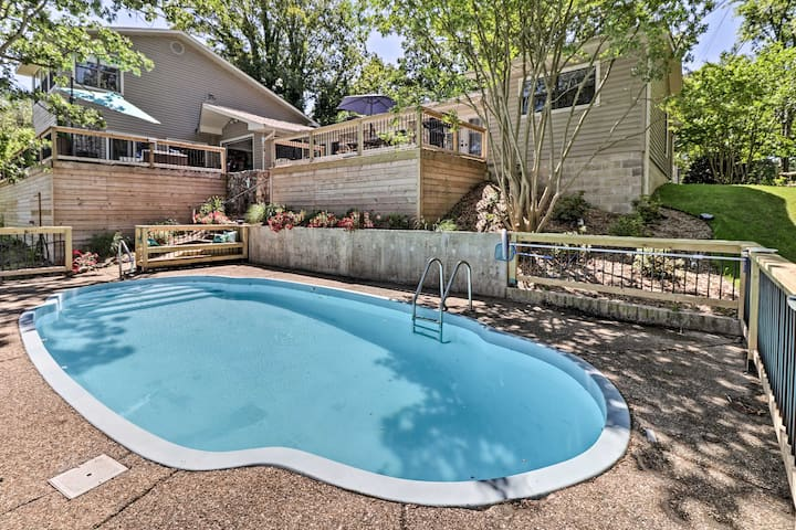 NEW! Luxe Hot Springs Oasis on Lake w/Private Dock