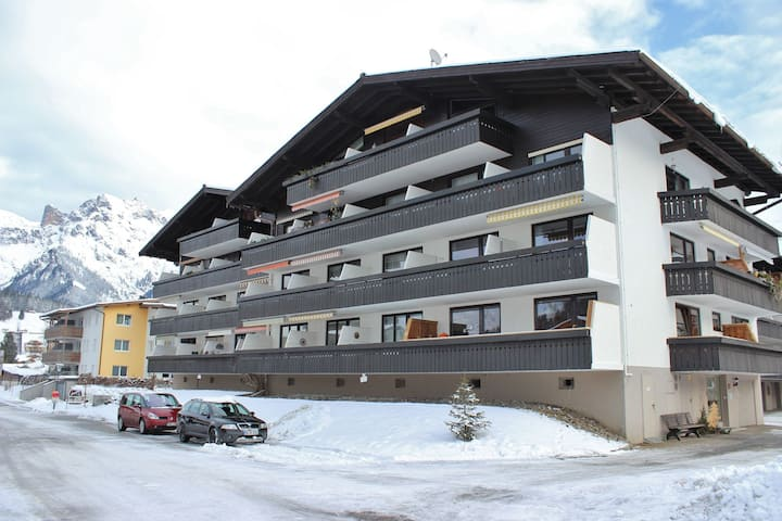 Cosy Apartment in Maria Alm near Ski Lift