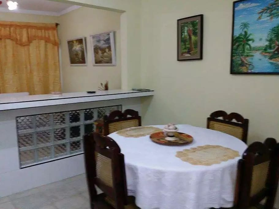 Traditional dining table to enjoy and spend time together.
