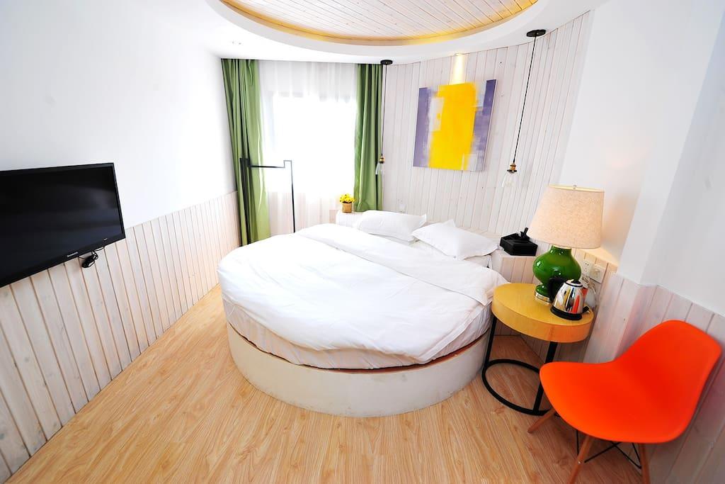 浪漫圆床-雅房