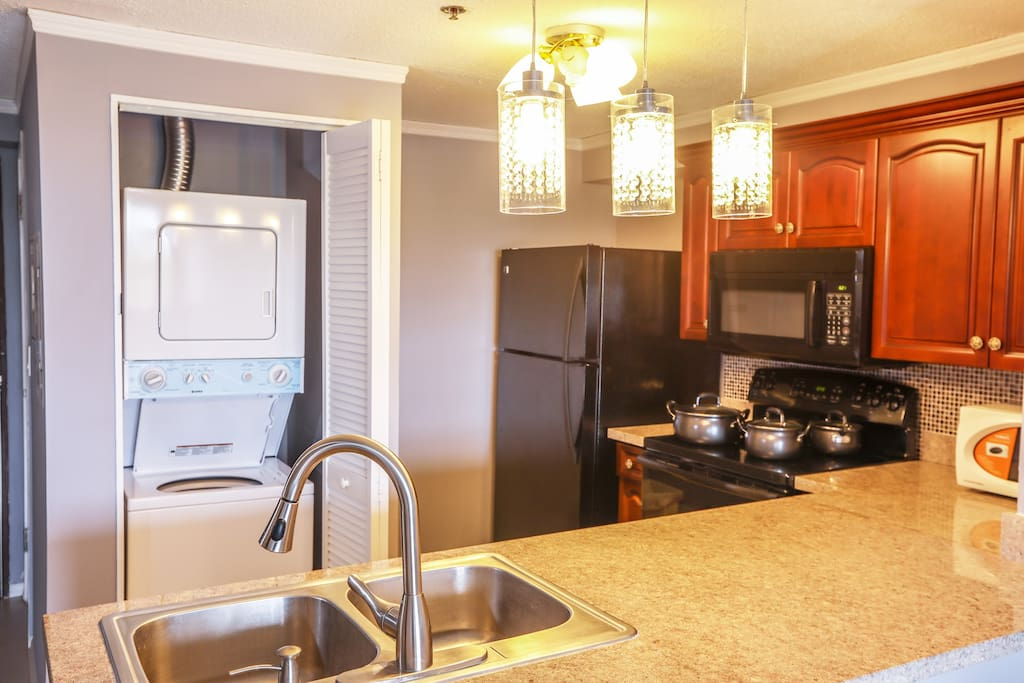 There is a kitchen. You can cook during your stay!