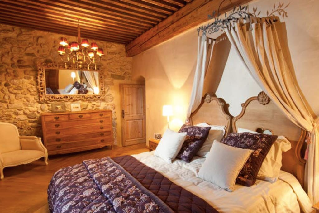 chambre persienne ch teaux louer lans en vercors rh ne alpes france. Black Bedroom Furniture Sets. Home Design Ideas