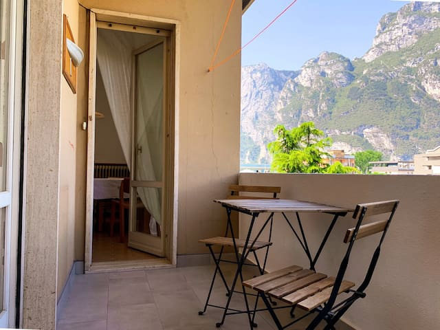 Entire flat, 1 minute walk from lake of Garda