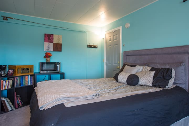 Desert Oasis Private Guest House!! - Twentynine Palms