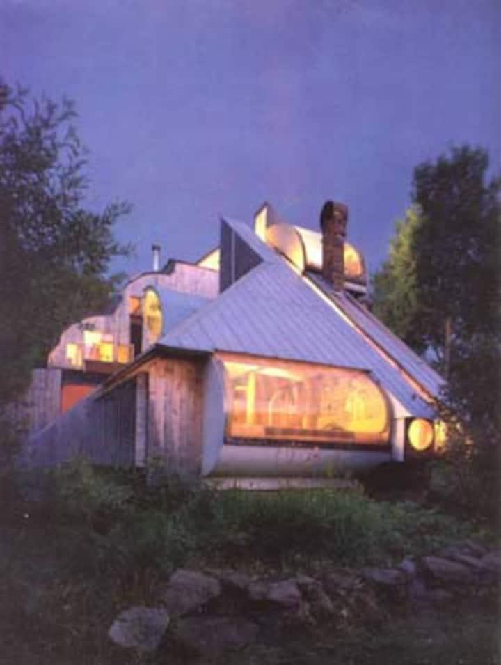 Unique Design Contemporary Home- seasonal rental