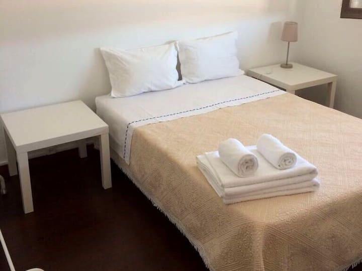 Private Room in the heart of Viana