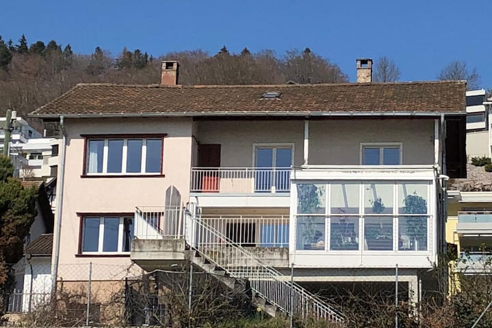 Sunny house near the train station to Lucerne