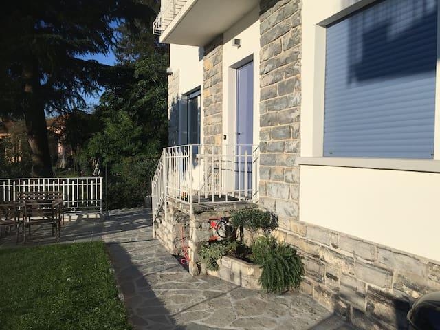Appartamento in Villa con Giardino - Moltrasio - Pis
