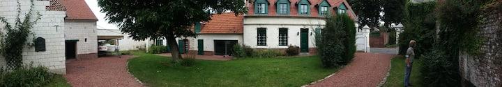 Belle longère avec piscine près du golf d'Arras