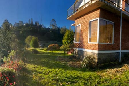 Gorgeous, Plush, Multi level Villa with views