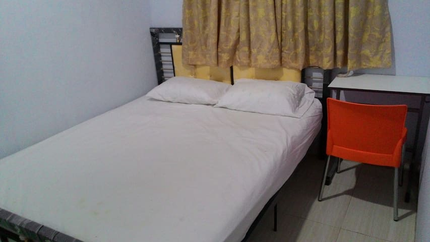 Room close to Kota Tua & China Town - West Jakarta - House