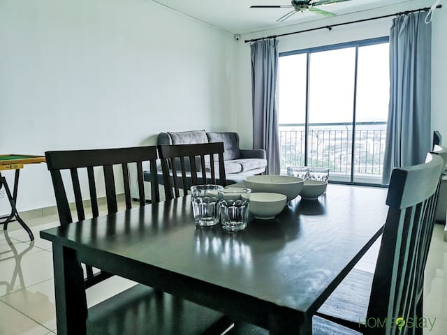 6 person @ Cozy Home Near Bukit Jalil/ Axia Arena