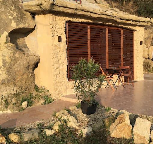 Barlang apartman (2.) - Sirok - Talo