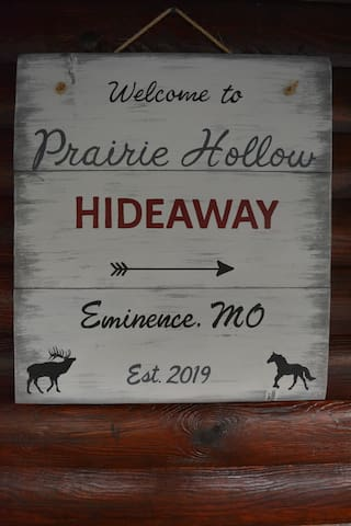 Prairie Hollow Hideaway - located near Eminence, where Missouri's only wild horses and elk roam free