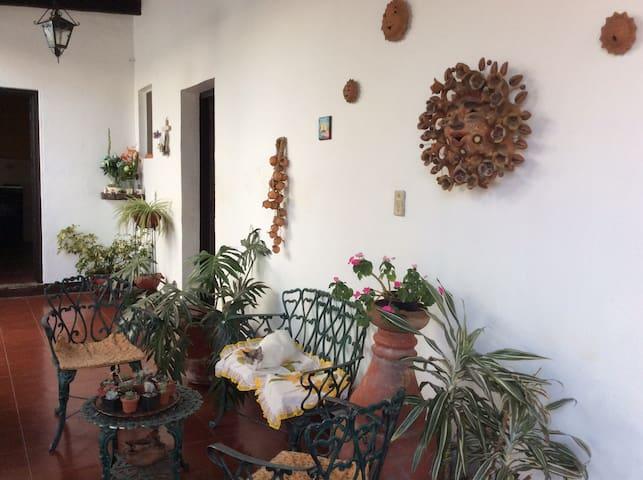 Segundo patio de la casa, el corredor.