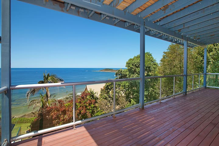 Two Bedroom Beachfront Apartment - Yamba - Daire