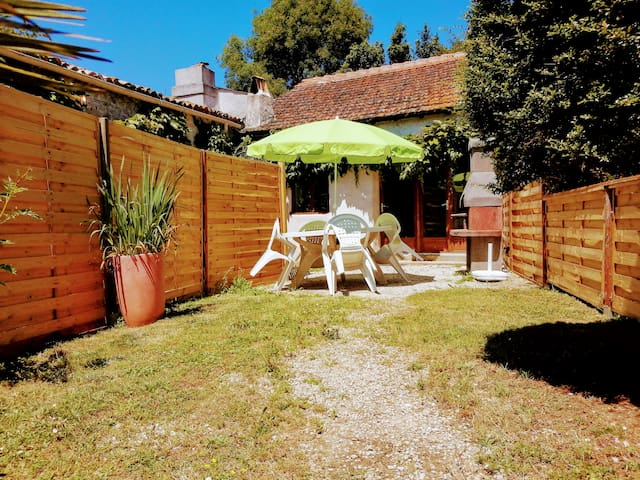 Gite 6 · two bedroom cottage with garden and pool