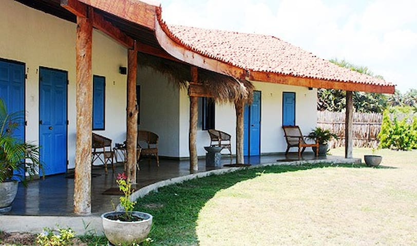 2 Bedroom Beach Araliya House