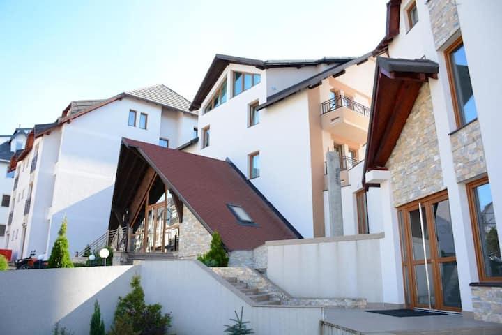 Hotel Milmari Resort