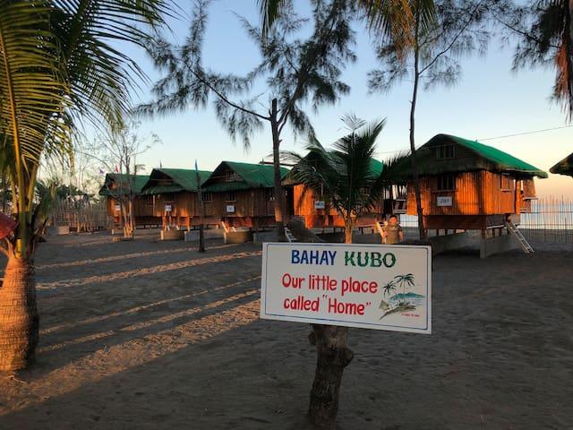 Bahay- Kubo (close to Potipot Island)- Beach Front