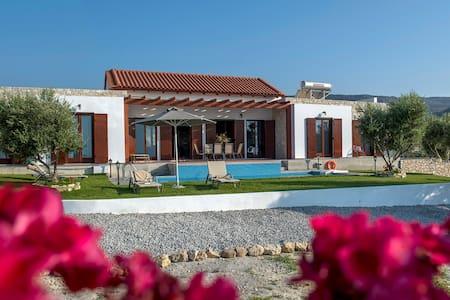 Brandnew luxurous Villa Kyria - Kirianna - Villa