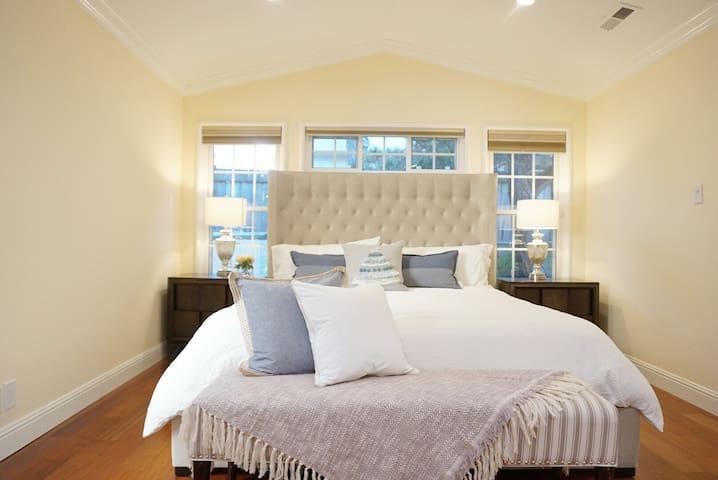 HotDeal(SFO)Calking bedroom Private bath[Millbrae]