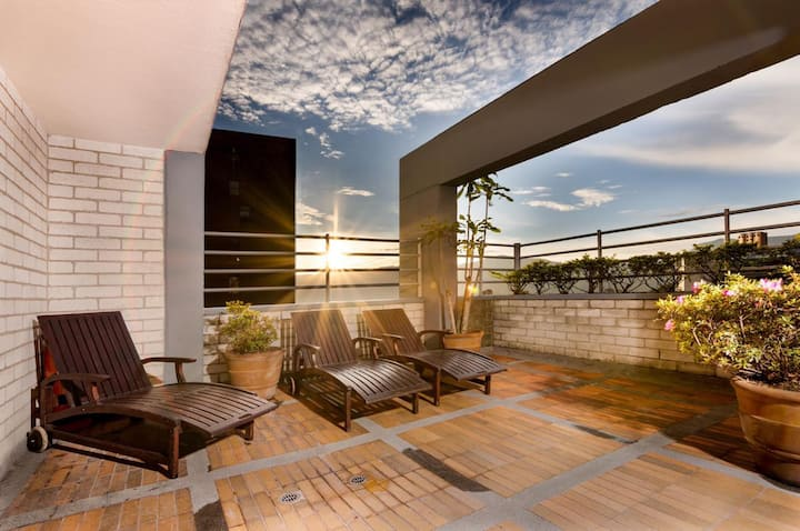 ❂Private Hotel Like Room with Rooftop Sky-Club❂