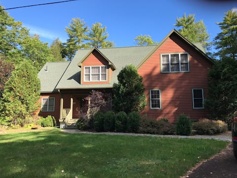 Perfect Lake House on Long Pond in Belgrade Lakes!