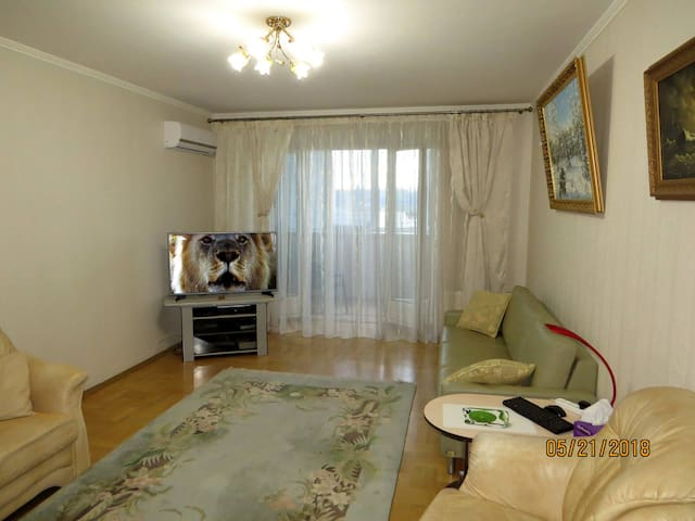 Good 2-r apartment on Livoberezhna metro st., Kyiv