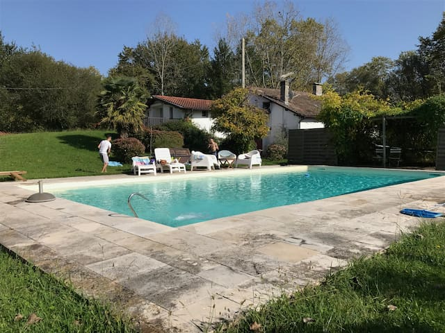 Maison 300 M² avec piscine